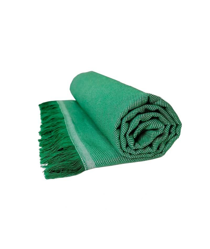 Manta multiusos color verde. Textil de hogar.